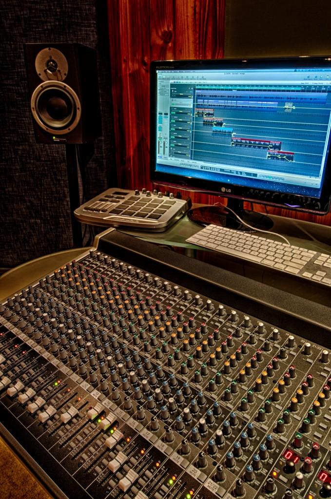 Studio sound desk with multi-channel mixer